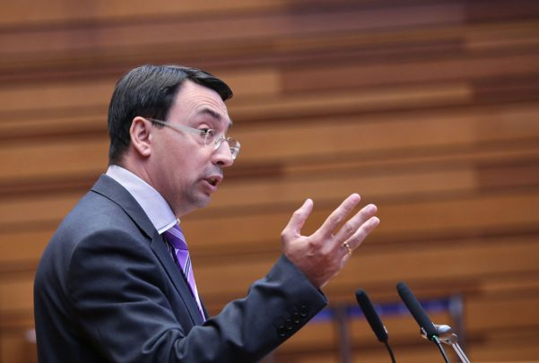 Fernando Pablos reclama a la Junta que cumpla con el compromiso de financiar los gastos corrientes del Centro de Investigación del Cáncer