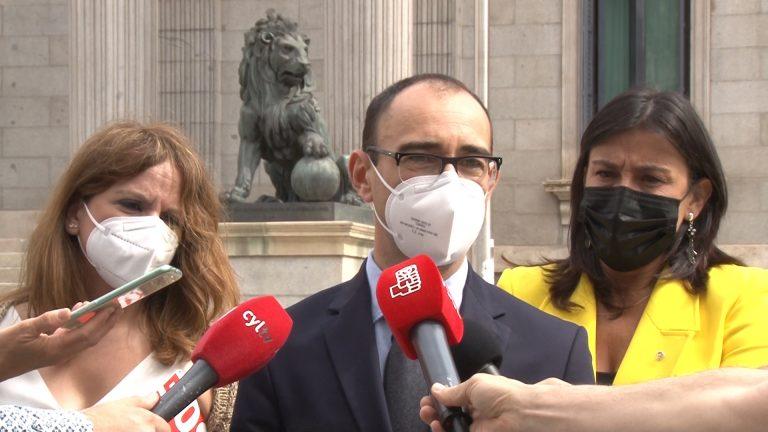 """David Serrada exige a Mañueco """"si aún le queda algún resto de dignidad"""" el cese de su asesor personal Cosidó"""